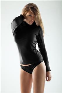 afbeelding Zwarte dames top turtle-neck MML04