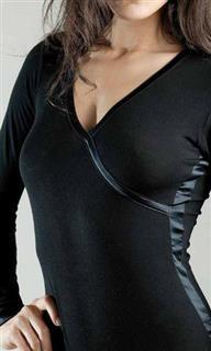 afbeelding Zwarte dames top v/n l/slv MML01